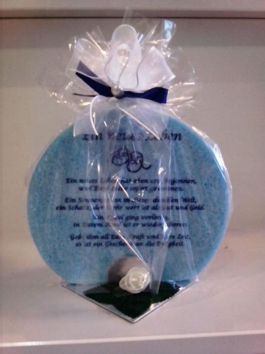 Geschenk Kerze hellblaufarbend zur Taufe für ein Jungen